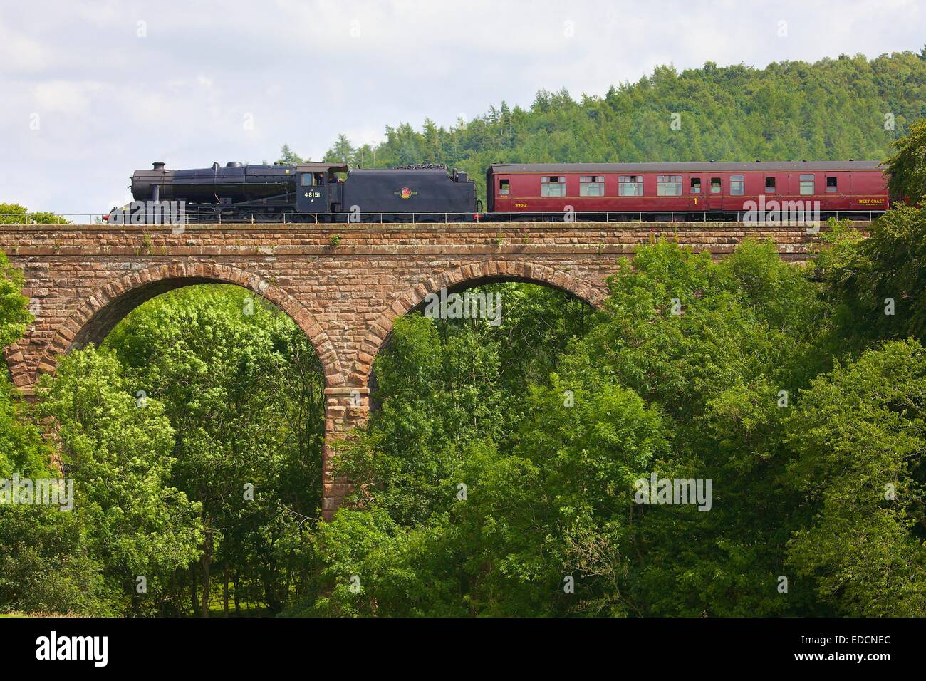 Steam train passing over Armathwaite Viaduct, Armathwaite Settle to Carlisle Railway Line, Eden Valley, Cumbria, - Stock Image