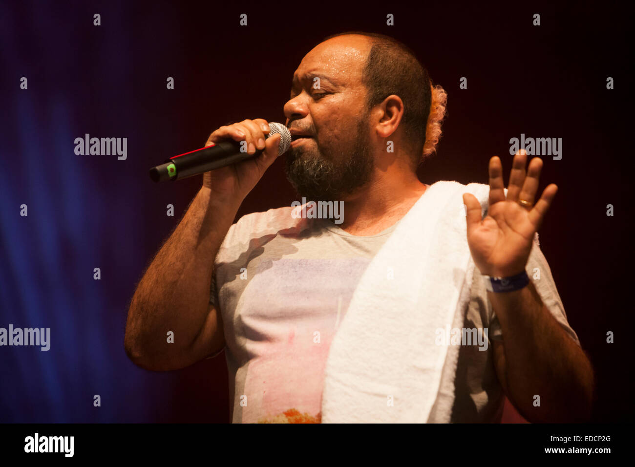 Paulo Flores, Angolan musician, singing at the Dipanda festival in Meo Arena, Lisbon, Portugal. - Stock Image