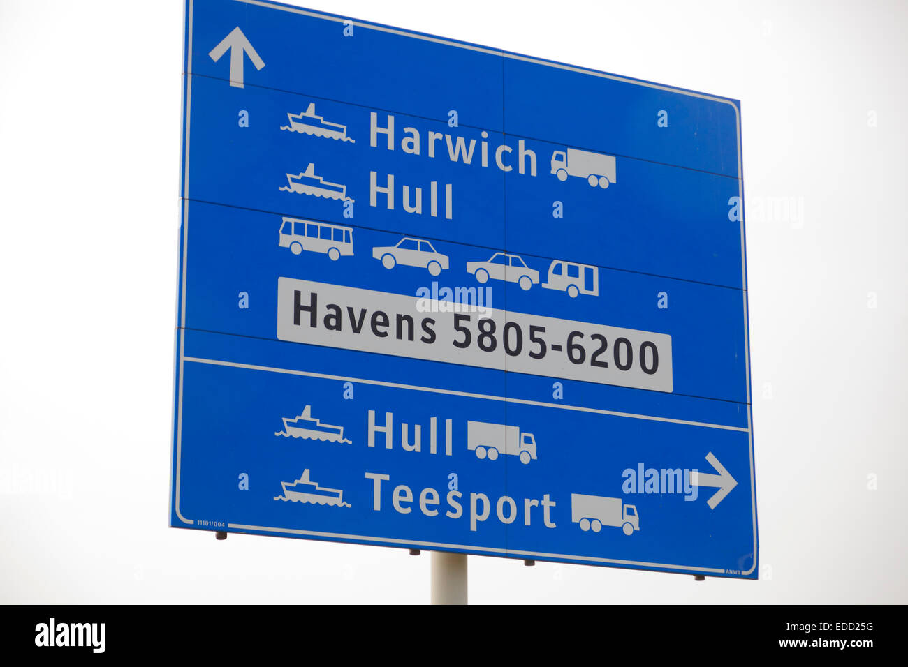 direction sign ferries to Harwich and Hull in the harbour of Rotterdam, Netherlands - Stock Image