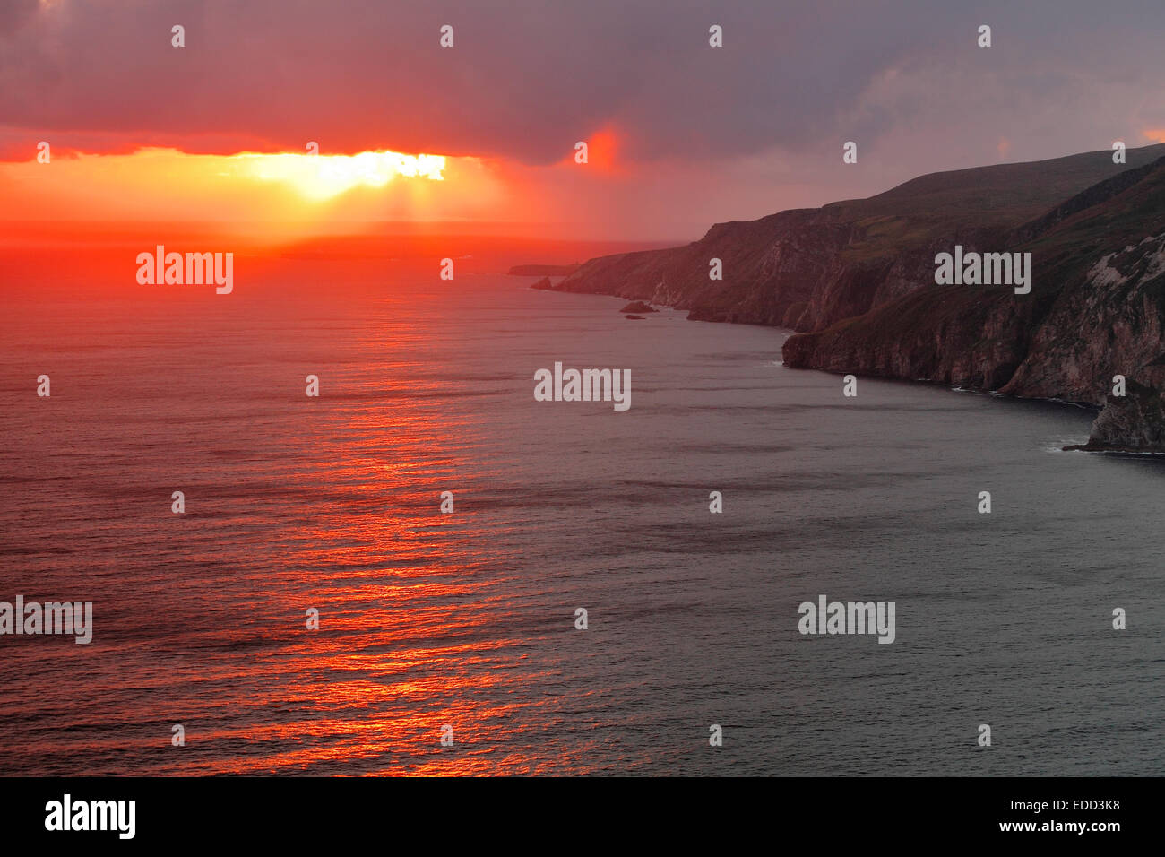 sunset at Slieve League (Irish: Sliabh Liag) - At 601 metres (1,972 ft), the highest sea cliffs in Ireland, Donegal - Stock Image
