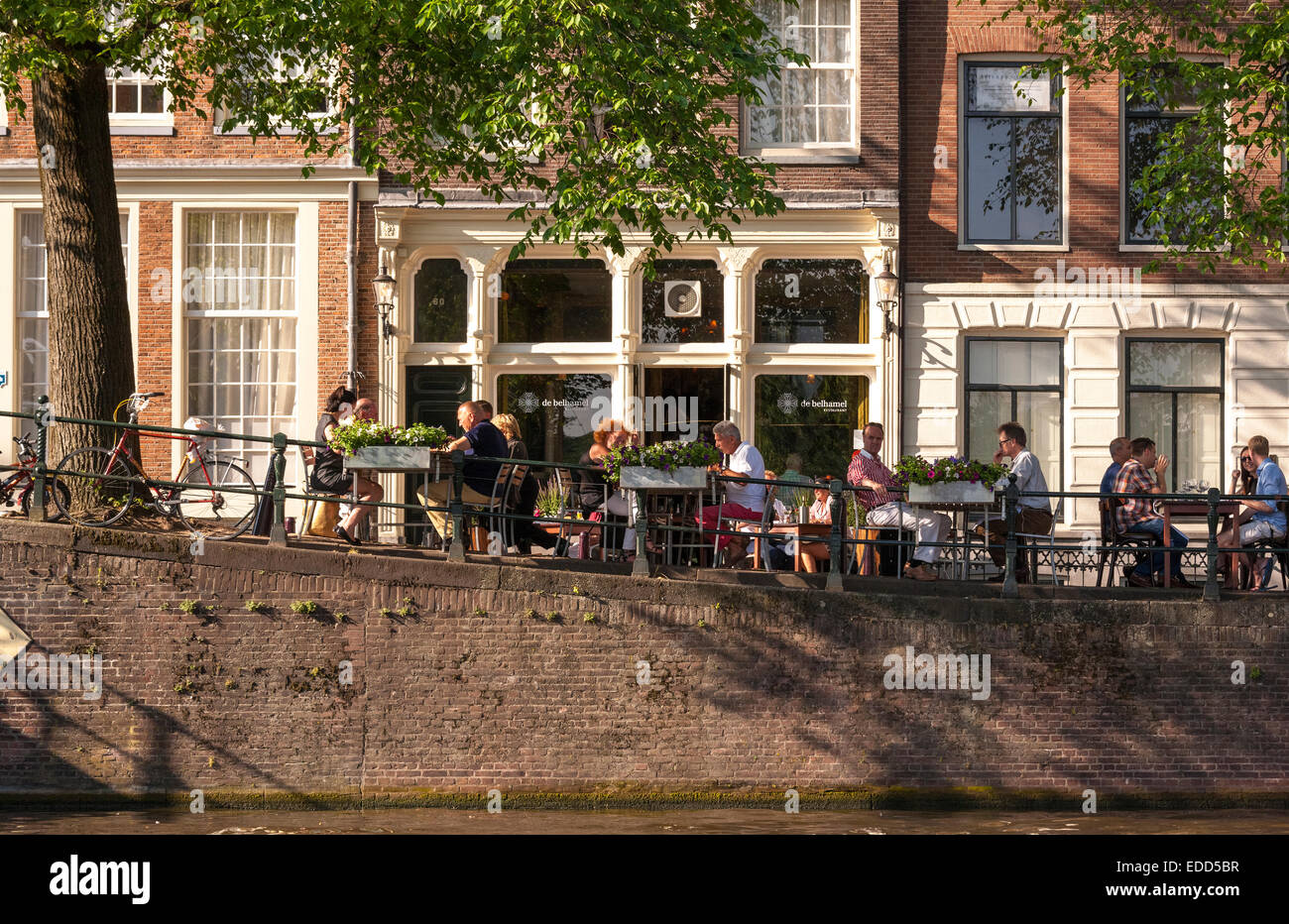 Restaurant De Belhamel on the Brouwersgracht Canal alfresco dining outdoor terrace overlooking the Herengracht Amsterdam - Stock Image