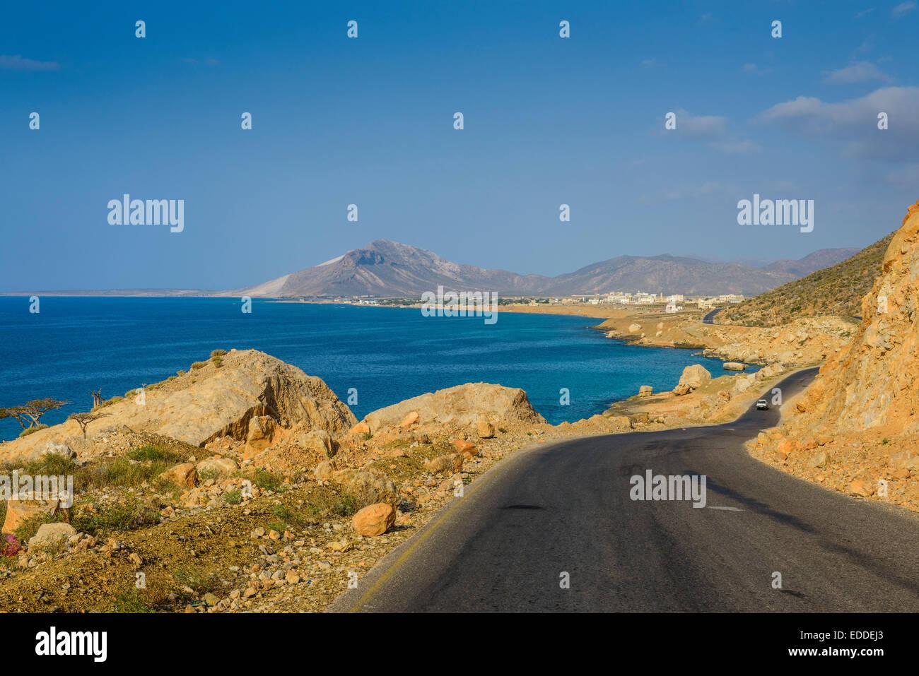 Road leading to Hadibu, island of Socotra, Yemen - Stock Image