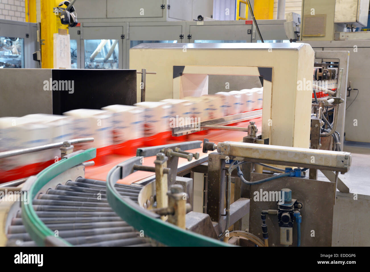 Production line with refined sugar in a factory - Stock Image