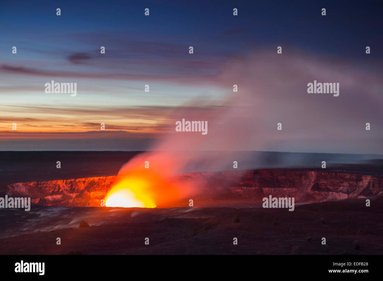 Dawn at Halema`uma`u crater, Kilauea volcano, Hawai`i Volcanoes National ParkAURORA - Stock Image