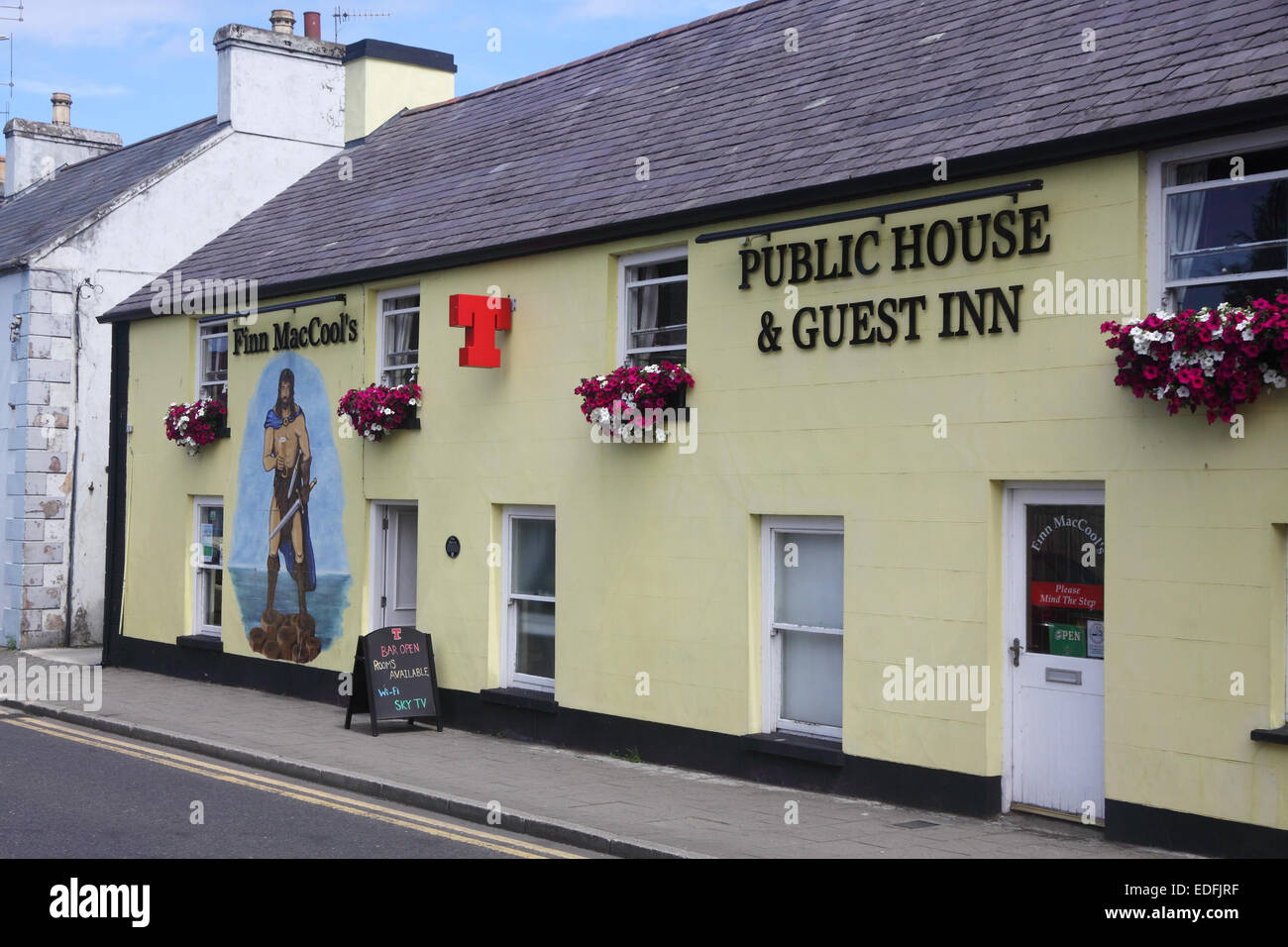 Finn MacCool's public house and guest house in Bushmills, County Antrim, Northern Ireland - Stock Image