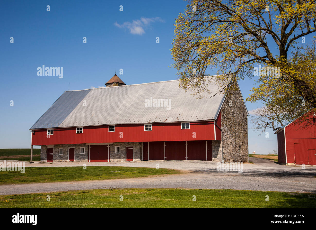 Historic Stone Barn And Blue Sky On A Farm In The Amish Country Of Lancaster County Pennsylvania Usa Us