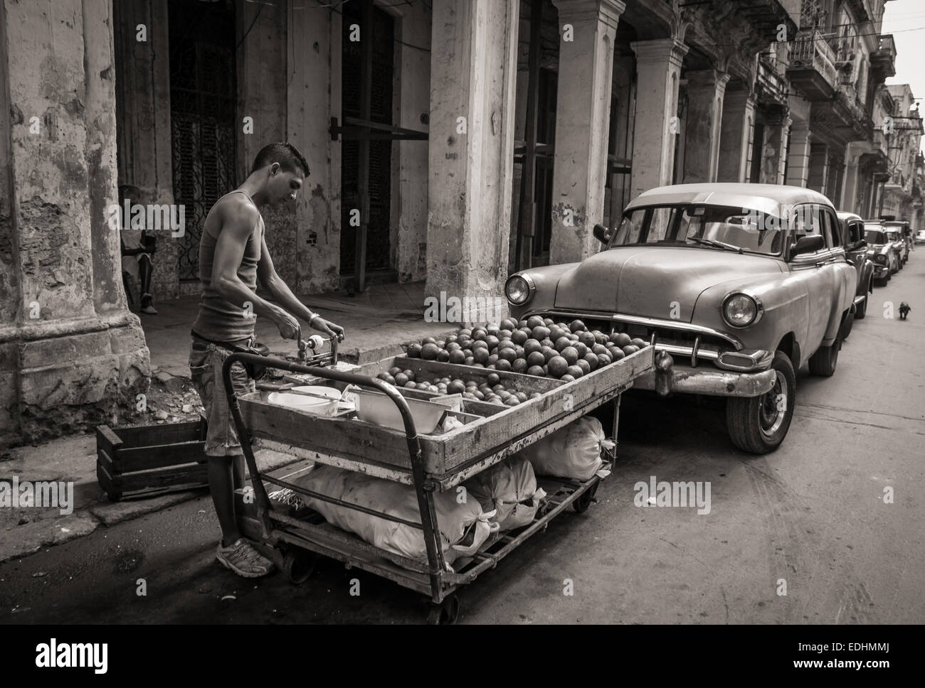Cuba Street Archive.  Typical street scene in old Havana. - Stock Image