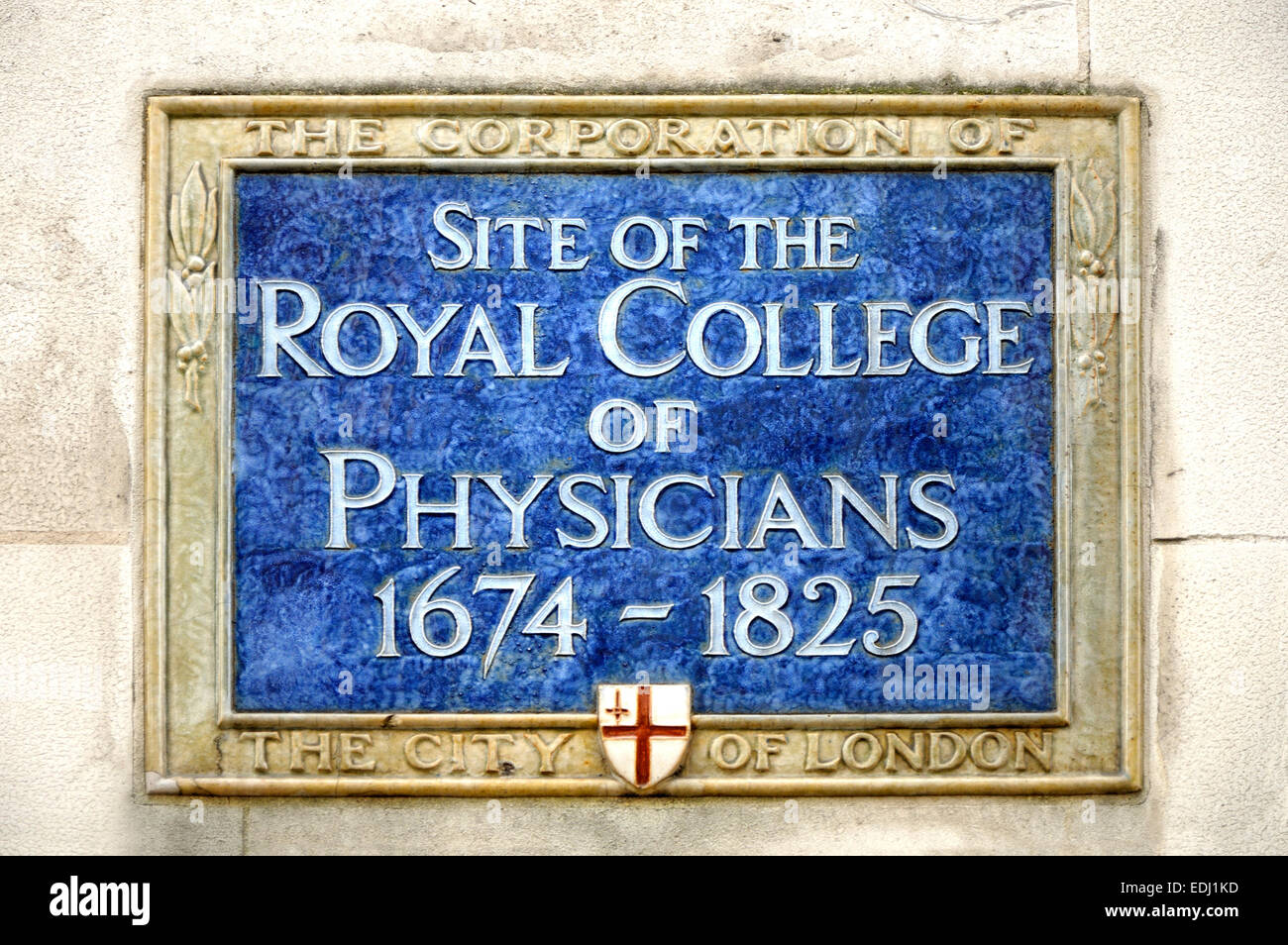 London, England, UK. Plaque commemorating the site of the Royal College of Physicians 1674-1825 in Warwick Lane, - Stock Image