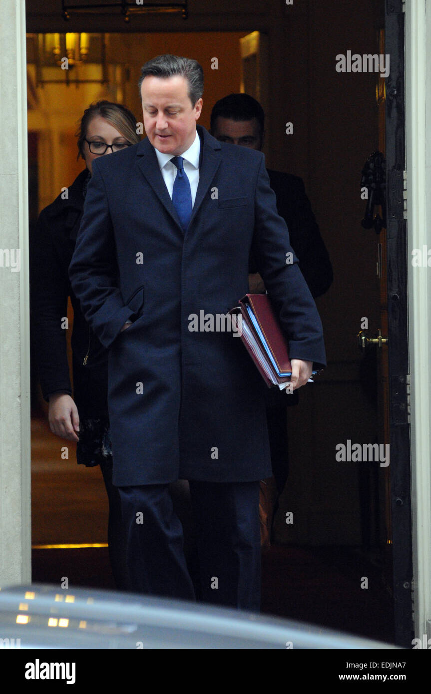 London, UK. 7th January, 2015.  David Cameron leaves 10 Downing street to take part in the first Question Time of - Stock Image