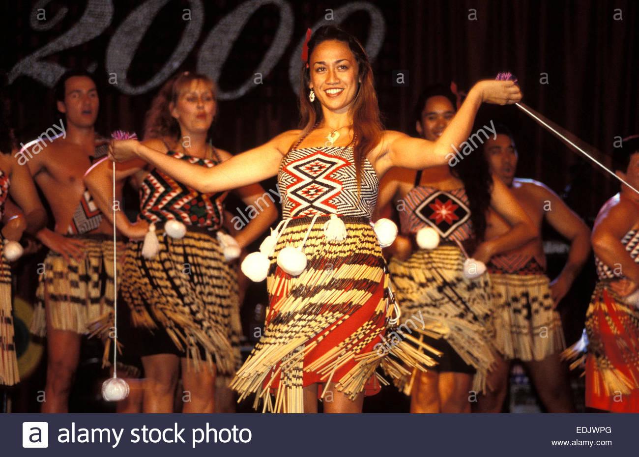 Maori Dance: Maori Costume Woman Stock Photos & Maori Costume Woman
