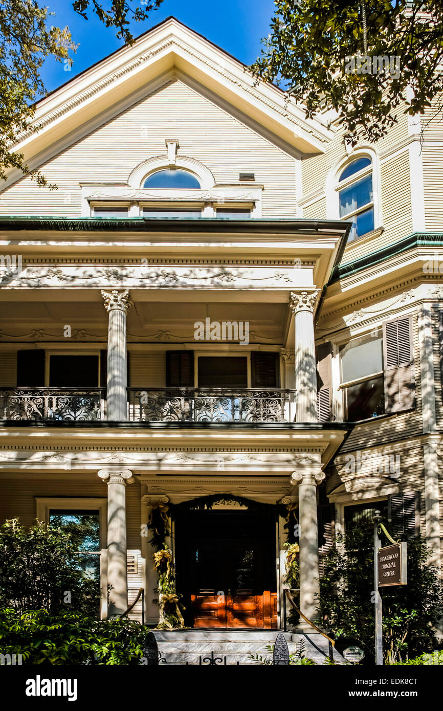Garden District New Orleans Stock Photos & Garden District New ...