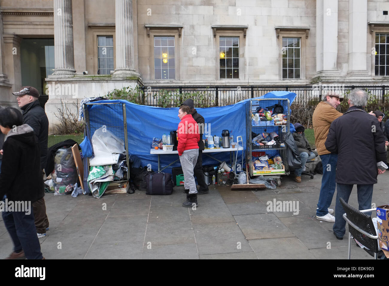 Trafalgar Square, London, UK. 7th January 2015. Squatters evicted from the bank near Trafalgar Square have set up Stock Photo