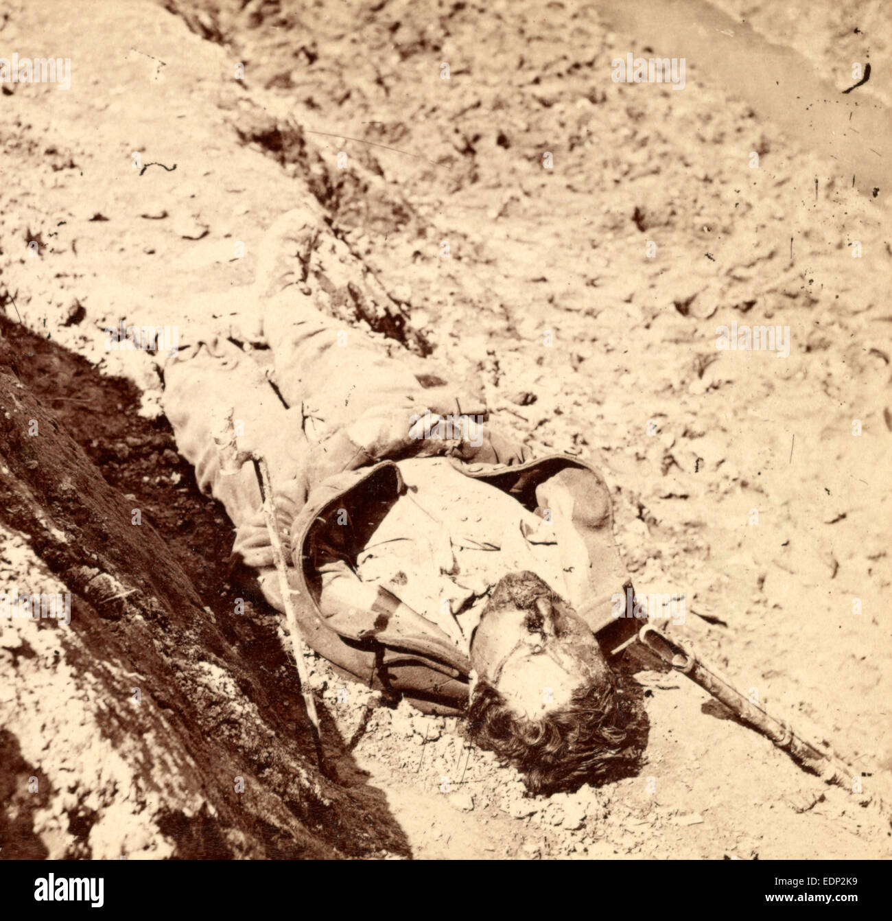 Dead Confederate soldier in the trenches, US, USA, America, Vintage photography - Stock Image