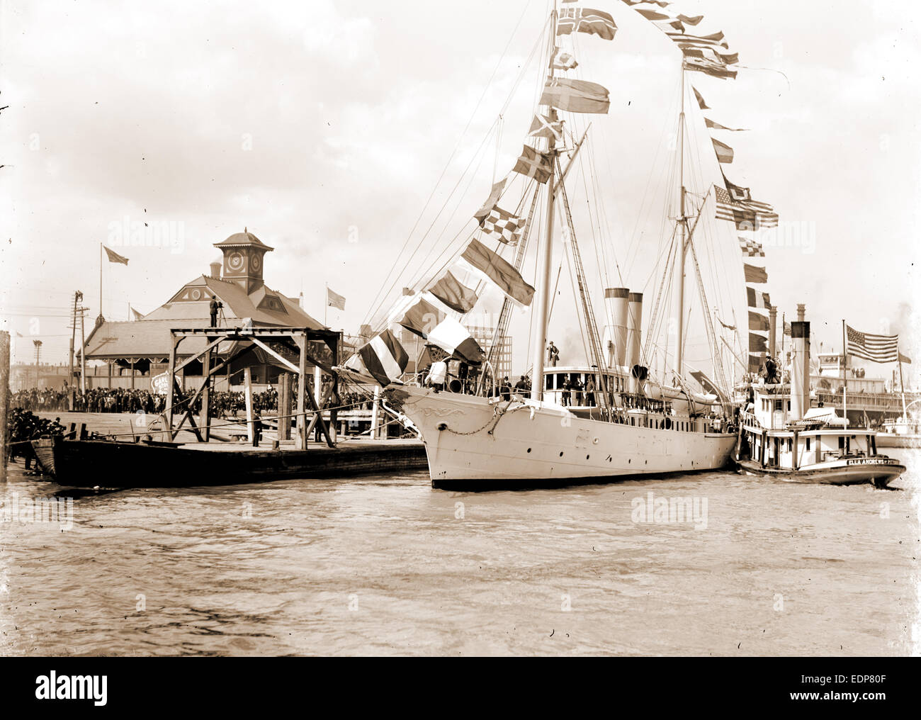 Mardi Gras, New Orleans, U.S.S. Galveston with Rex, Galveston (Cruiser), Cruisers (Warships), American, Carnival, - Stock Image