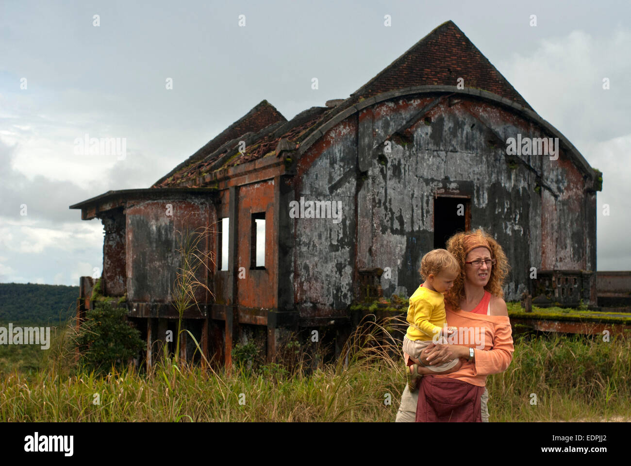 Bokor National Park. Cambodia. Travel with children's. Mother with her daughter. Privileged place to observe - Stock Image