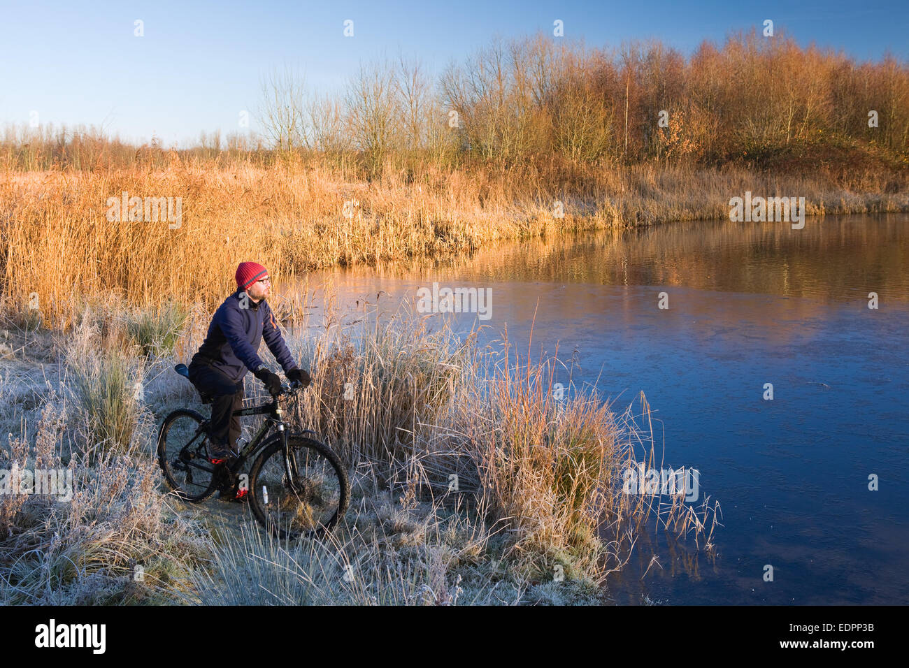 Waters Edge Country Park, Barton-upon-Humber, North Lincolnshire, UK. 30th December, 2014. UK weather. - Stock Image