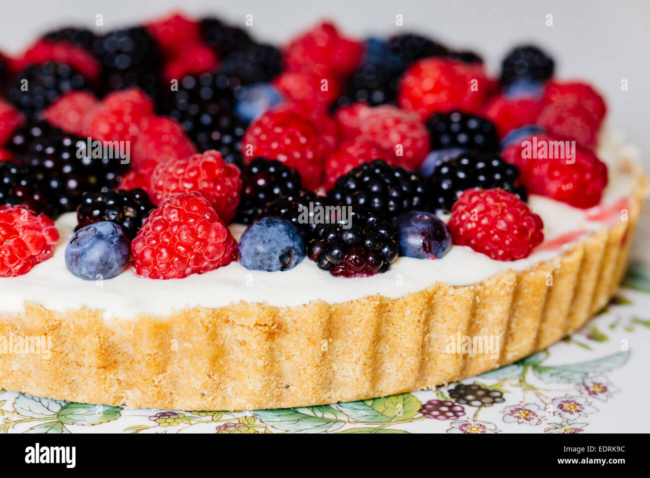 Berry and mascarpone tart - Stock Image