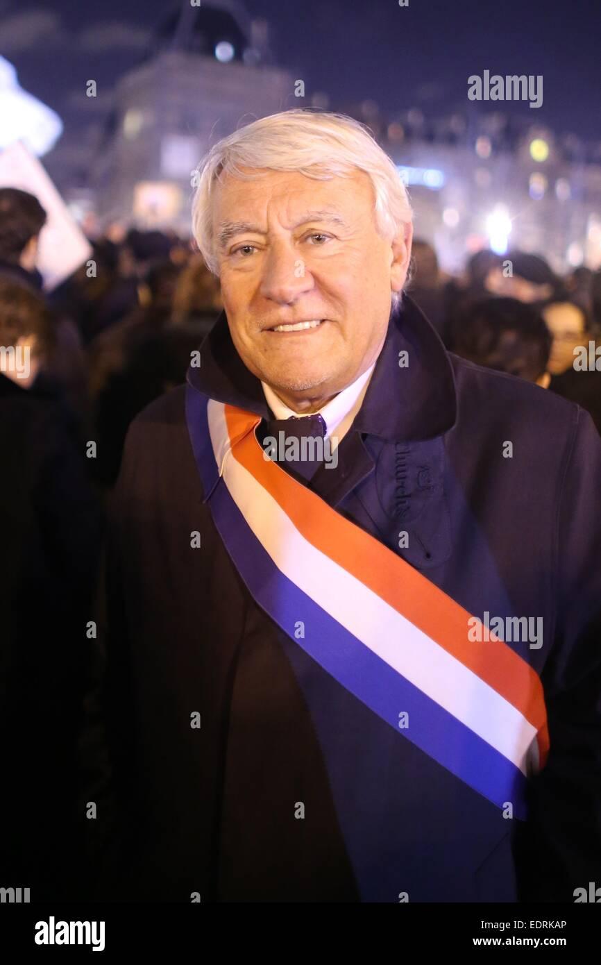 Paris, France. 08th Jan, 2015. Claude Goasguen (UDF, Union pour la démocratie française) demonstrates - Stock Image