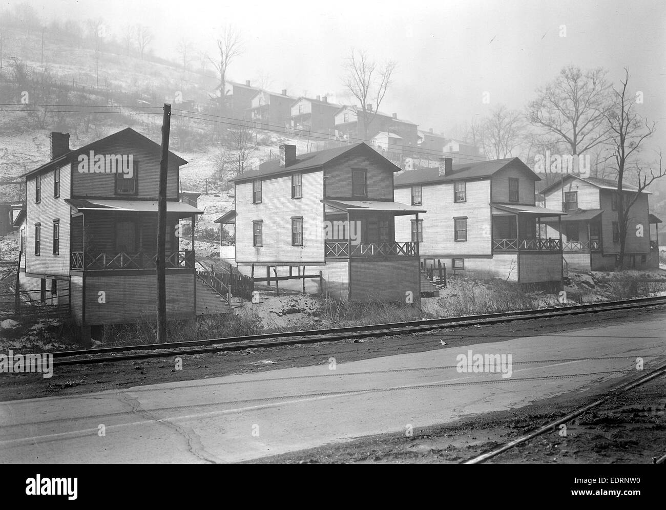 Scott's Run, West Virginia. Pursglove Mines Nos. 4 and 5 - Scene taken from main highway shows typical hillside - Stock Image