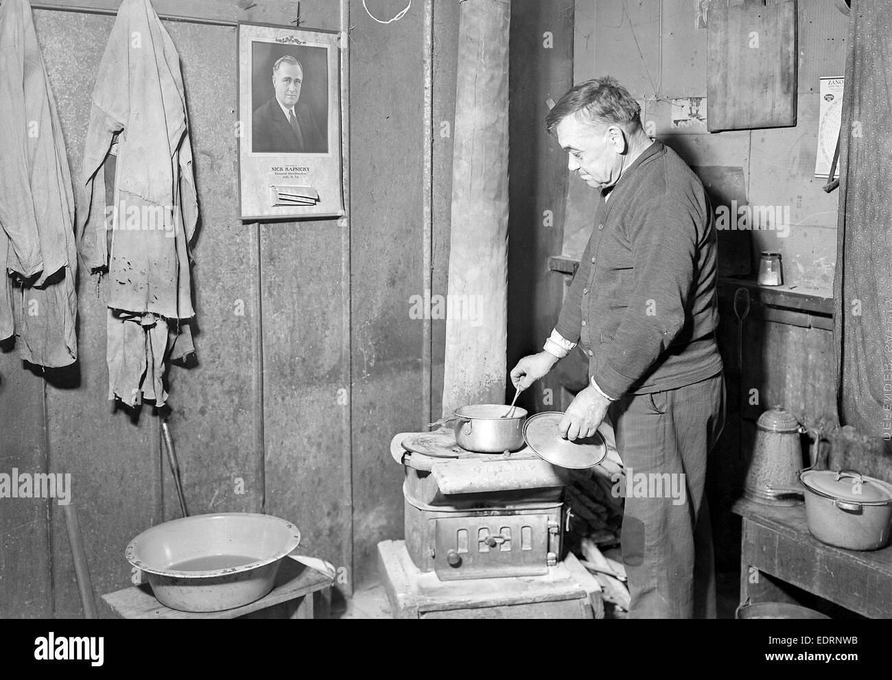 Scott's Run, West Virginia. Unemployed bachelor, Jere - This is typical of a particular group of stranded men Stock Photo