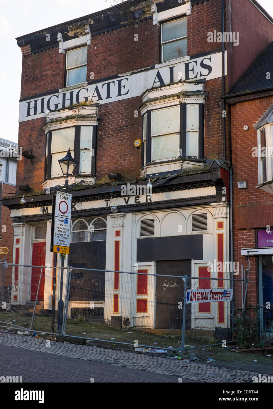 A closed down pub in Walsall town centre, West Midlands, England. - Stock Image