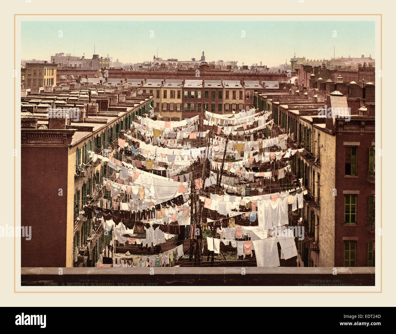 American 19th Century (Detroit Photographic Co.), A Monday Washing, New York City, 1900, photochrom - Stock Image