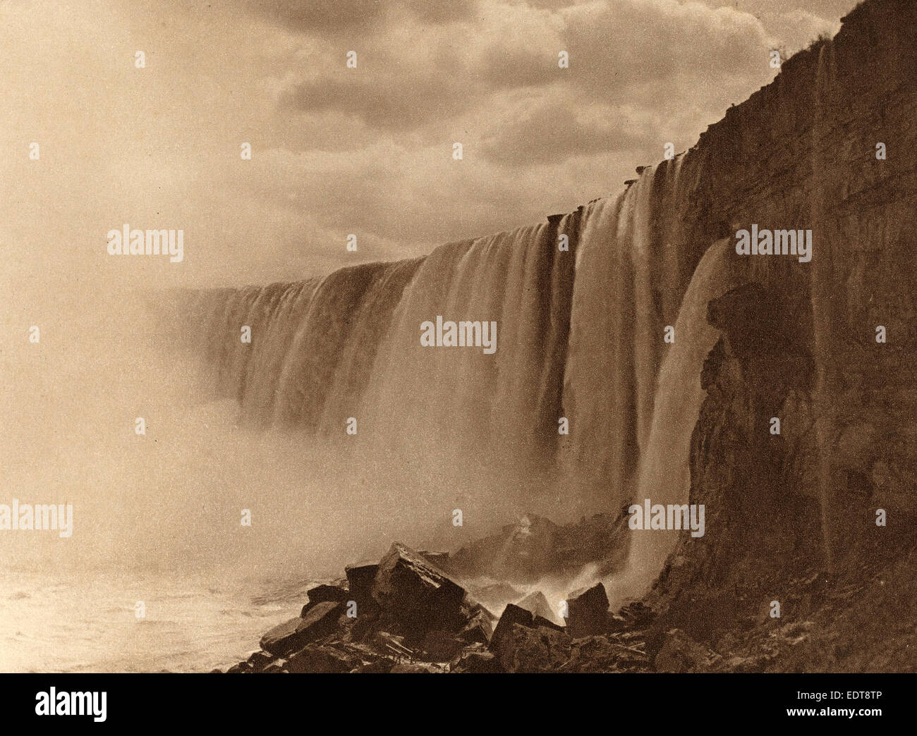 William D. Murphy (American, 1834 - 1932), Niagara Falls, 1899, photogravure in sepia on chine collé mounted - Stock Image