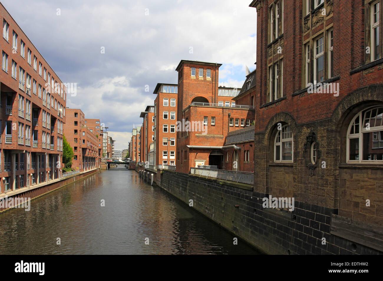 Deutschland, Hansestadt Hamburg, Backsteingebäude am Herrengrabenfleet,Germany, Hanseatic City Hamburg, Brick - Stock Image