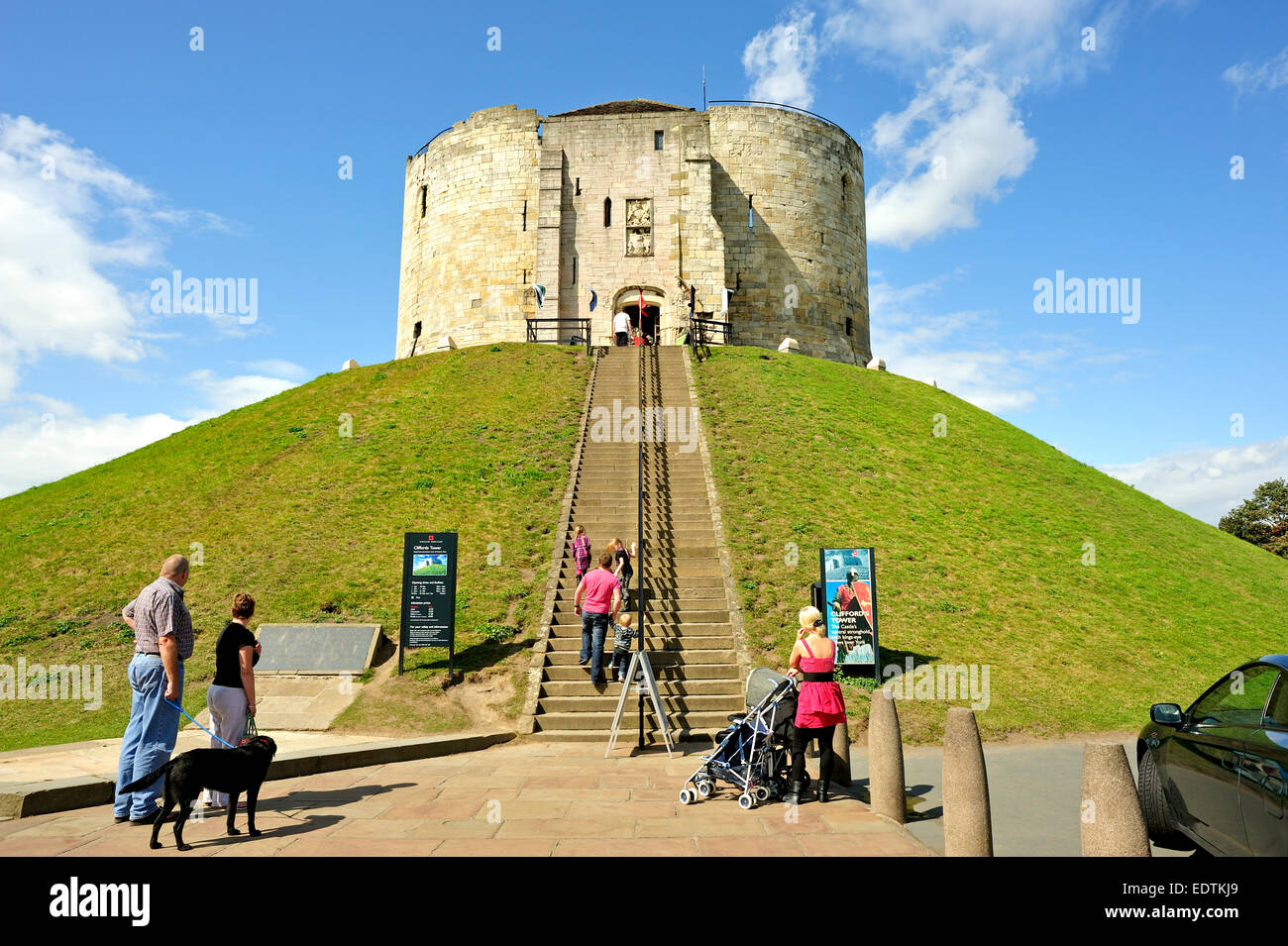 CLIFFORD'S TOWER YORK YORKSHIRE ENGLAND UK - Stock Image