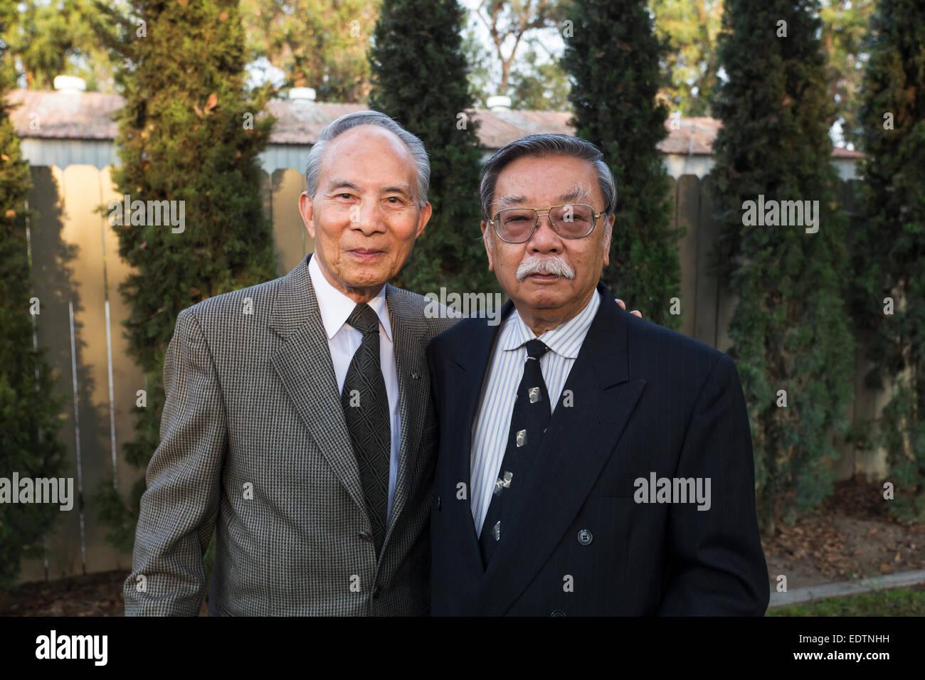 Vietnamese-Americans, friends, Vietnamese funeral, Little Saigon district, Westminster, Orange County, California - Stock Image