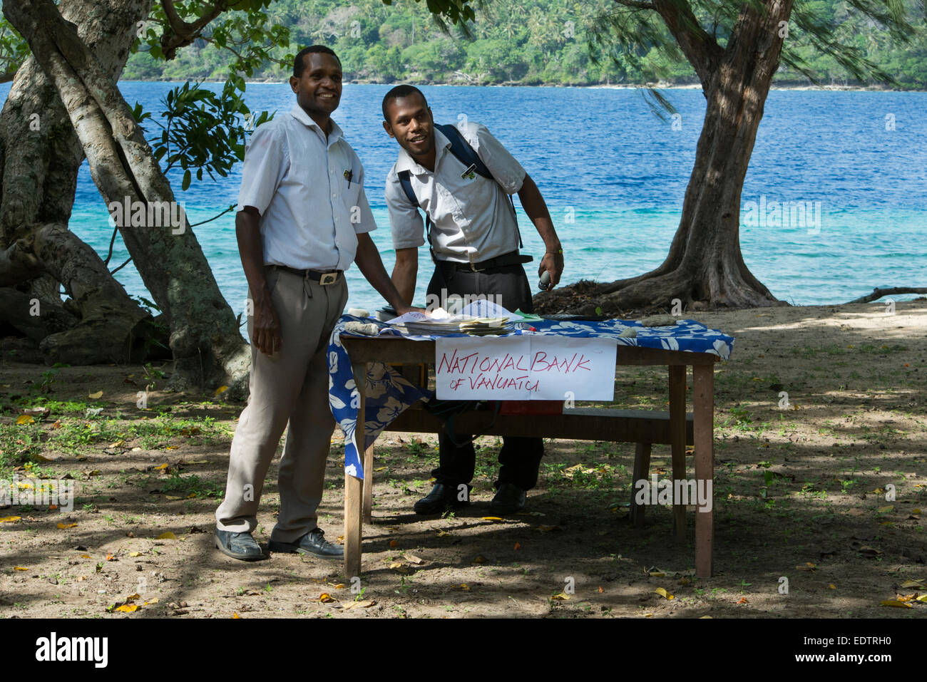 Melanesia, Vanuatu, Rano Island. Makeshift 'Bank of Vanuatu' set up along the beach for tourists to exchange - Stock Image