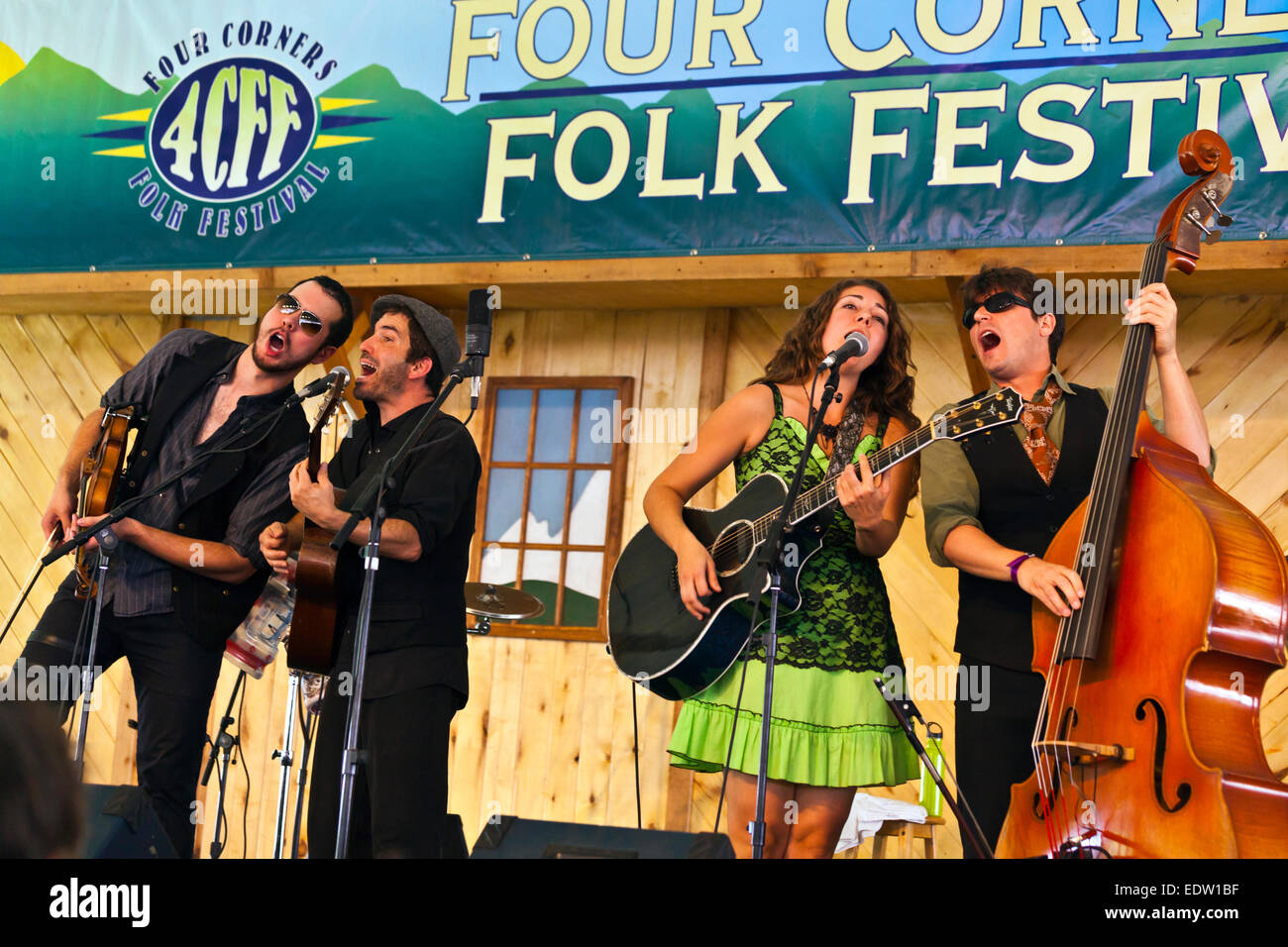CARAVAN OF THIEVES performs at the 2014 FOUR CORNERS FOLK FESTIVAL - COLORADO - Stock Image