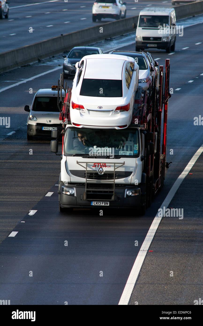 Renault Stva Car Transporter On M40 Motorway Warwickshire