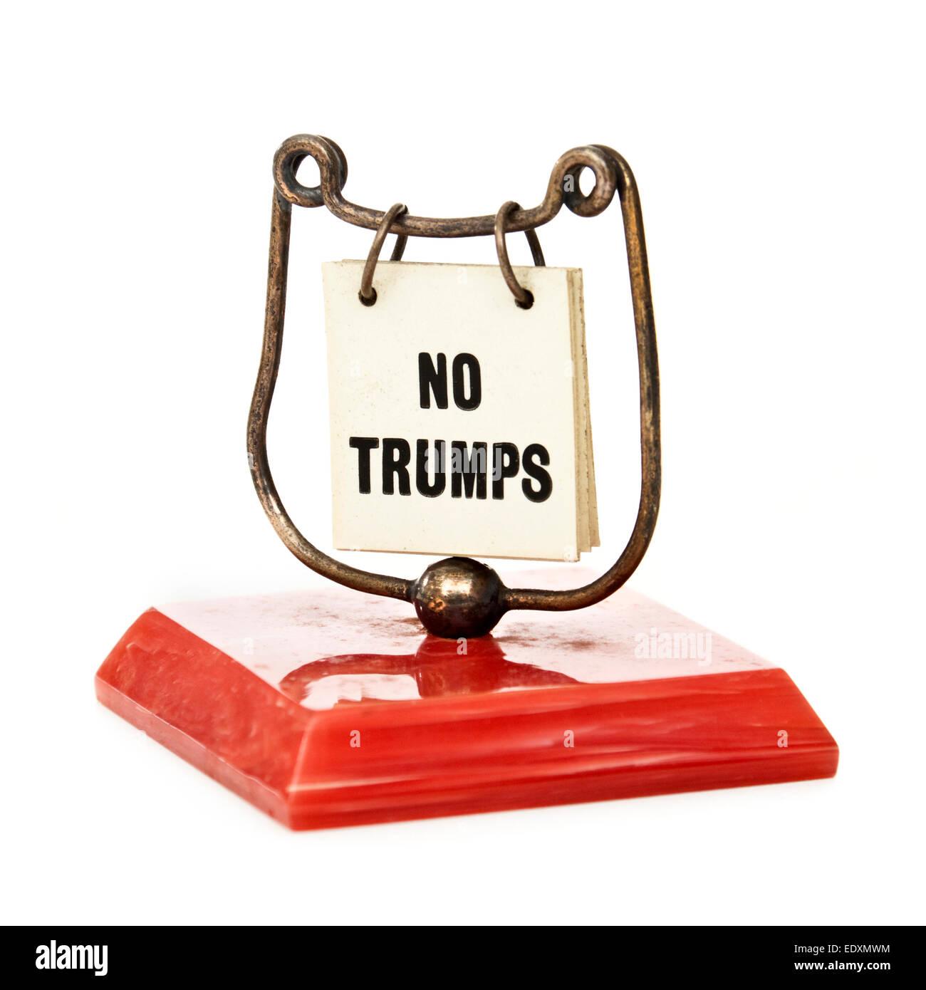 Vintage 1950's bridge trumps indicator (card game accessory), displaying 'no trumps' - Stock Image