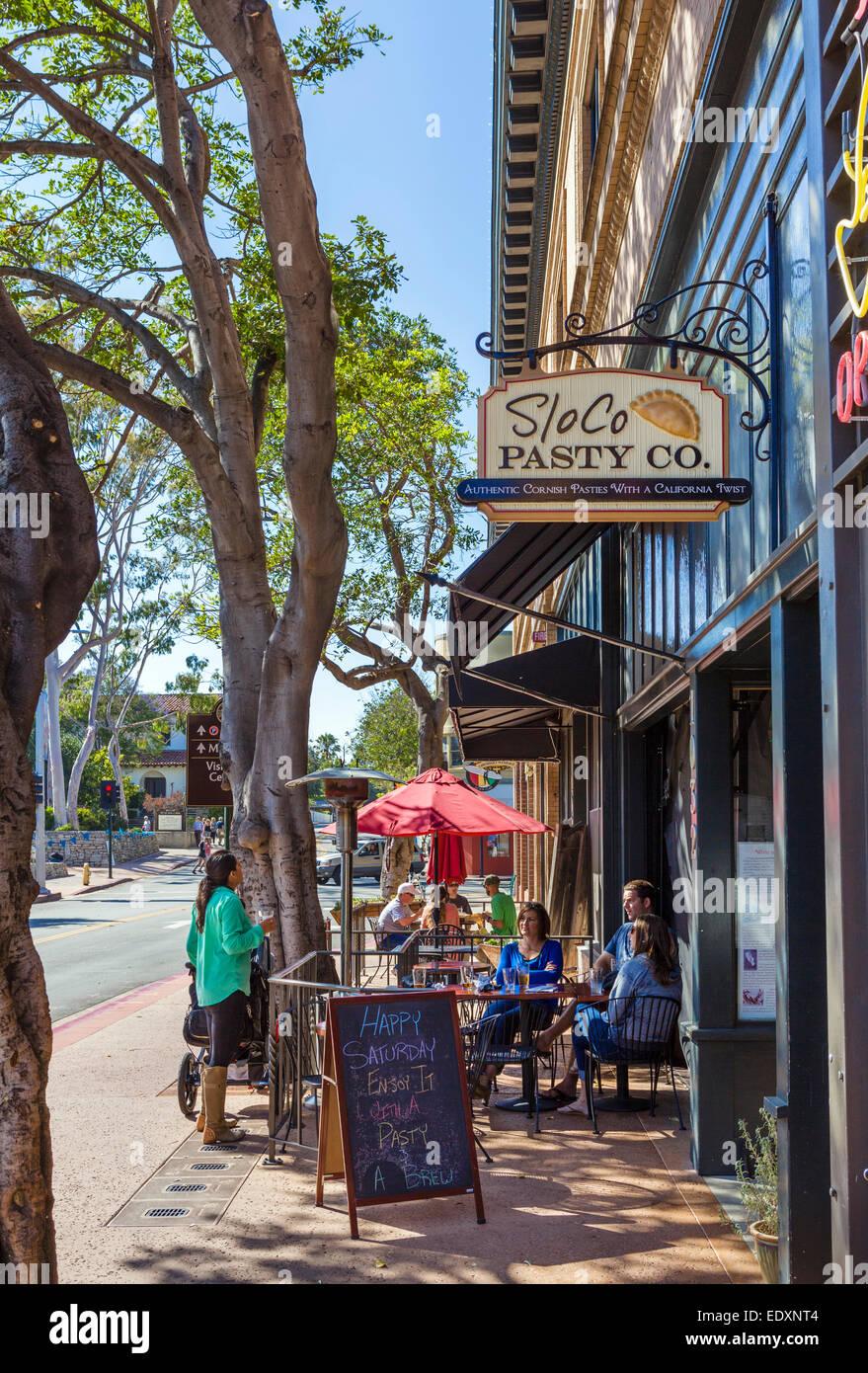 Sidewalk cafe on Chorro Street in downtown San Luis Obispo, California, USA - Stock Image
