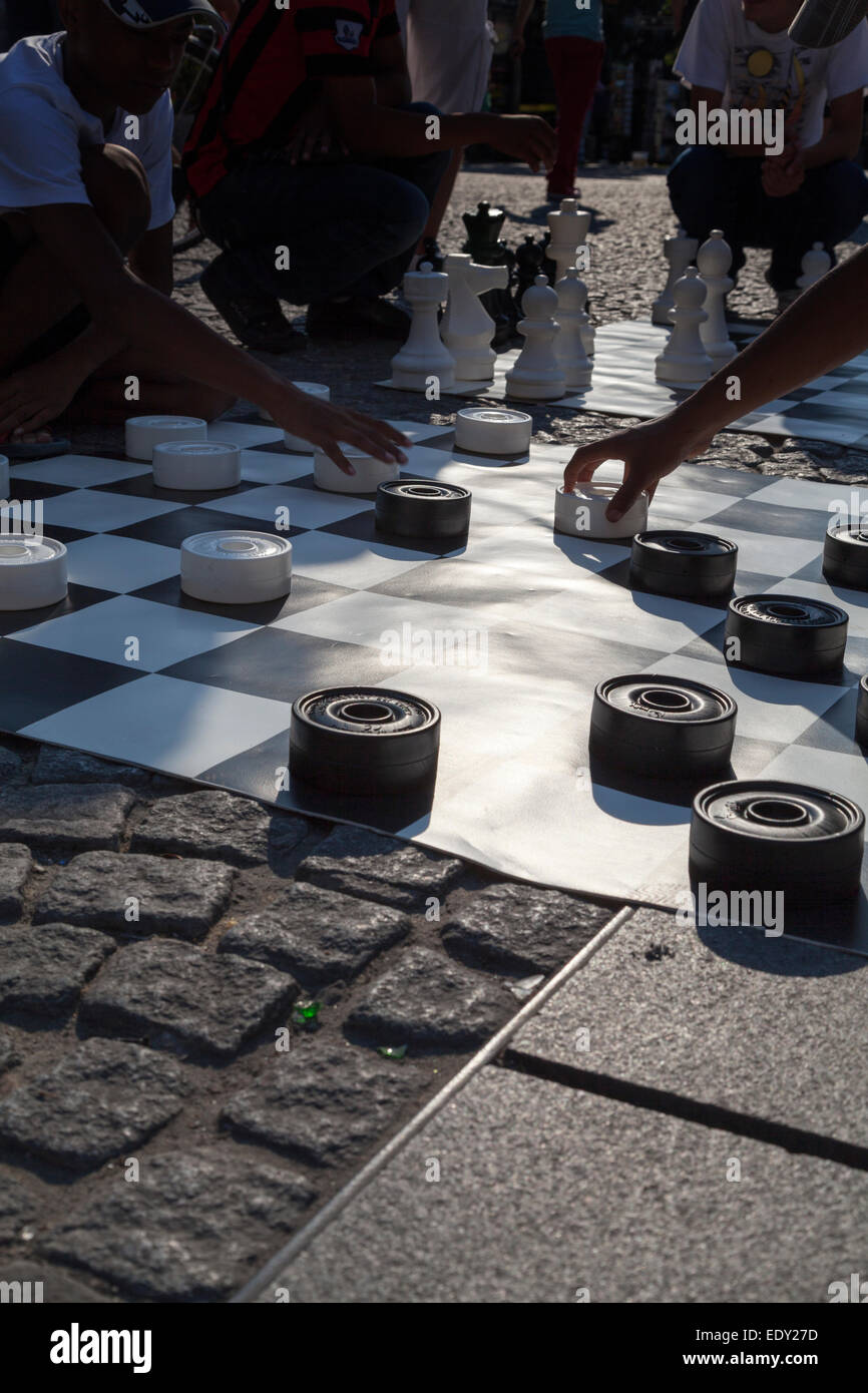 France, Paris, street draughts being played at the Pompidou Beaubourg Centre. - Stock Image