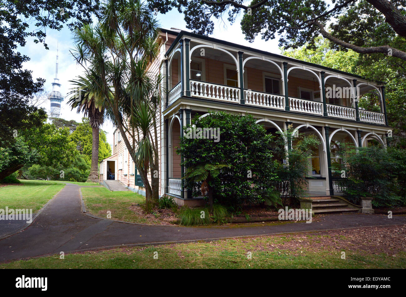 AUCKLAND - JAN 09 2015:Victorian merchant house.It's one of five houses that should have come down when the 99-year Stock Photo