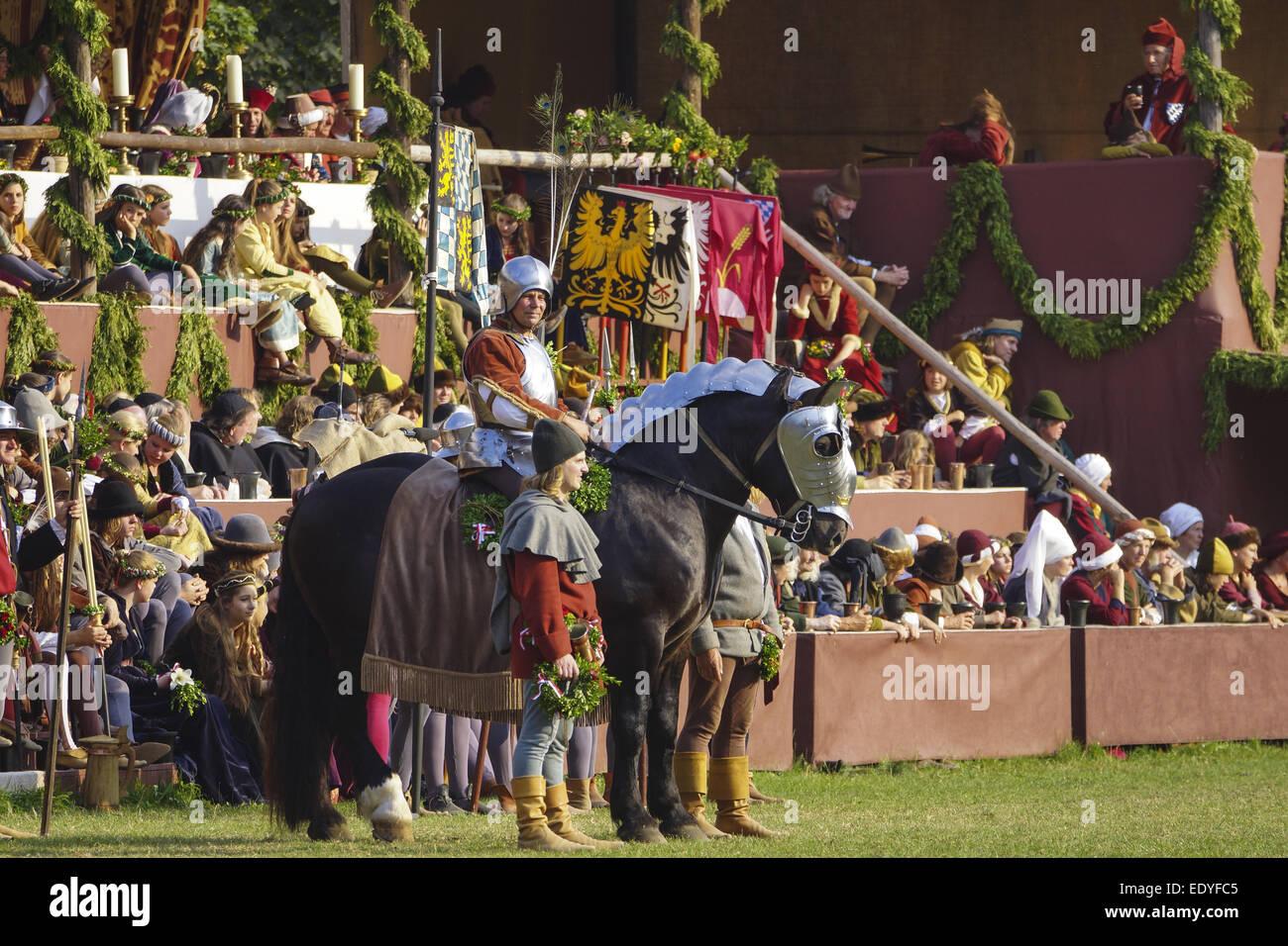 Mittelalterliche Spiele während der Landshuter Hochzeit in Landshut, Niederbayern, Bayern, Deutschland, Europa, Stock Photo