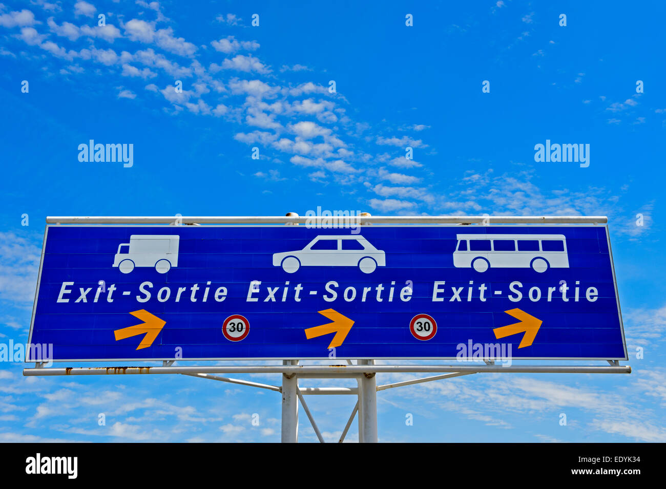 Sign for the exit for motor vehicles in the port area, Calais, France - Stock Image