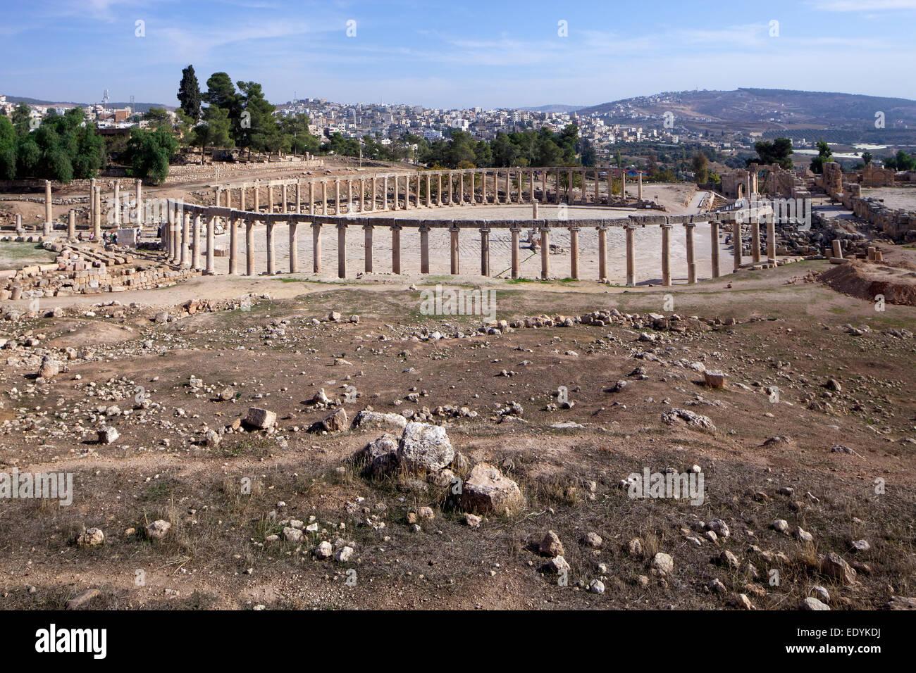 Oval forum, ancient Roman city of Jerash, part of the Decapolis, Jerash, Jerash Governorate, Jordan - Stock Image