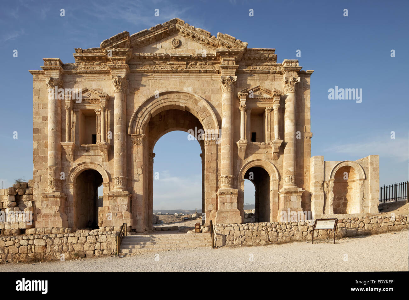 Triumphal arch in honour of Emperor Hadrian, portal, built 129-130 AD, an ancient Roman city of the Decapolis, Jerash - Stock Image