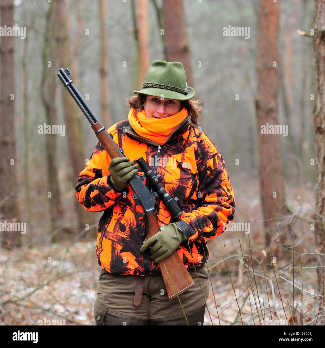 female hunter in Hungary with Marlin lever action rifle - Stock Image
