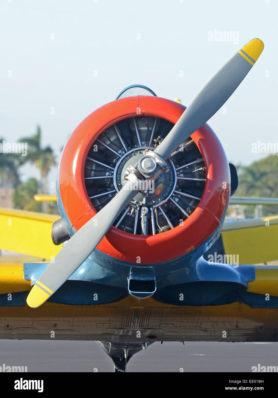 Retro propeller airplane front view - Stock Image