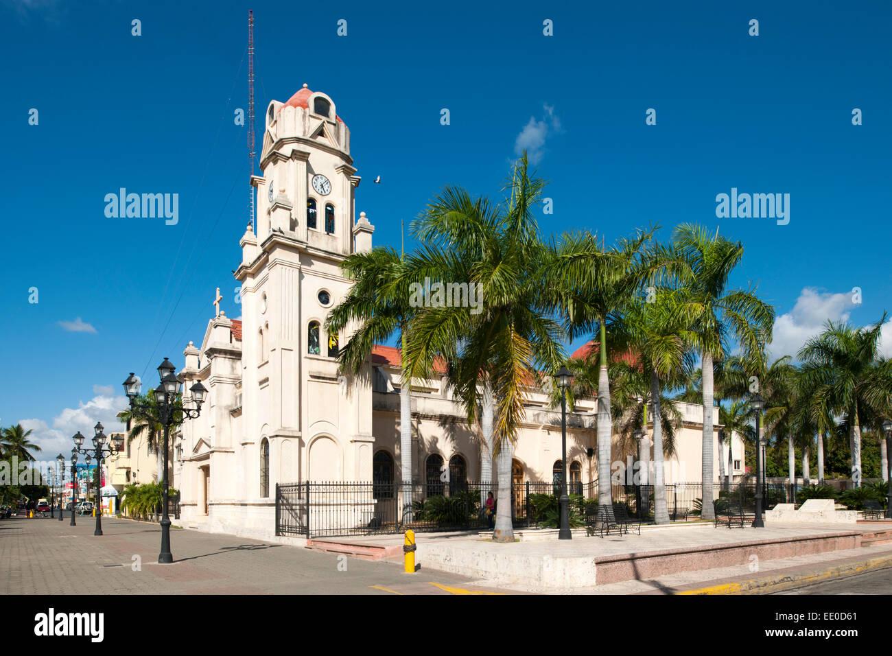Dominikanische Republik, Südwesten, Bani, Kirche - Stock Image