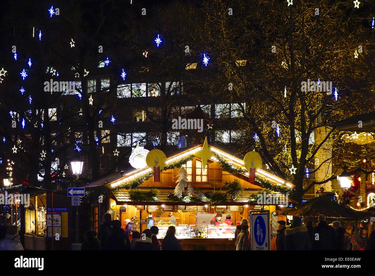 Weihnachtsmarkt in München, Bayern, Deutschland, Christmas market in Munich, Bavaria, Germany, Christmas Market, - Stock Image