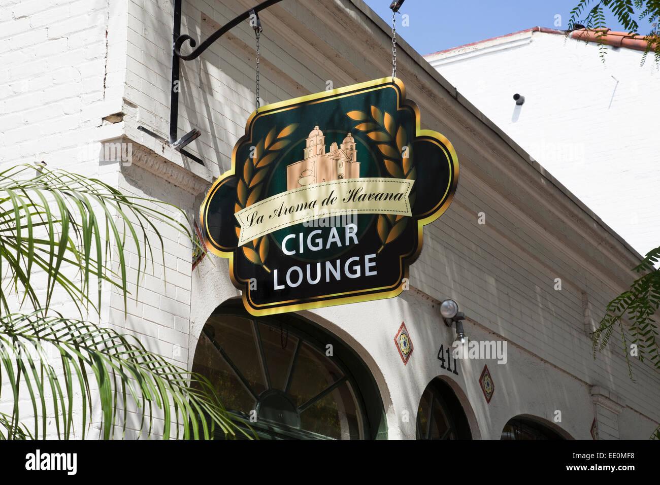 La Aroma de Havana Cigar Lounge on State Street, Santa Barbara, California - Stock Image