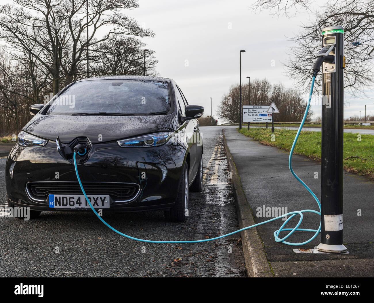 Electric motor car charging - Stock Image