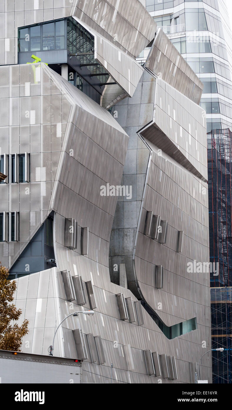 Front Facade of the Cooper Union Building. Stainless steel sheathing and a large cutout for the atrium distinguish - Stock Image