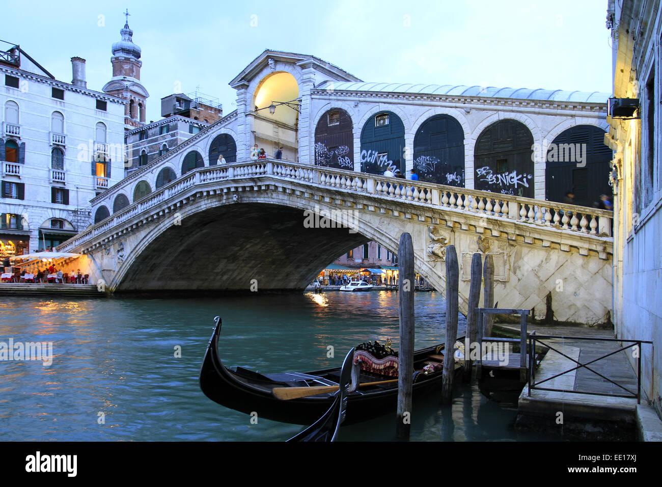 Canale Grande, Rialto Bruecke in Venedig, Italien - Stock Image