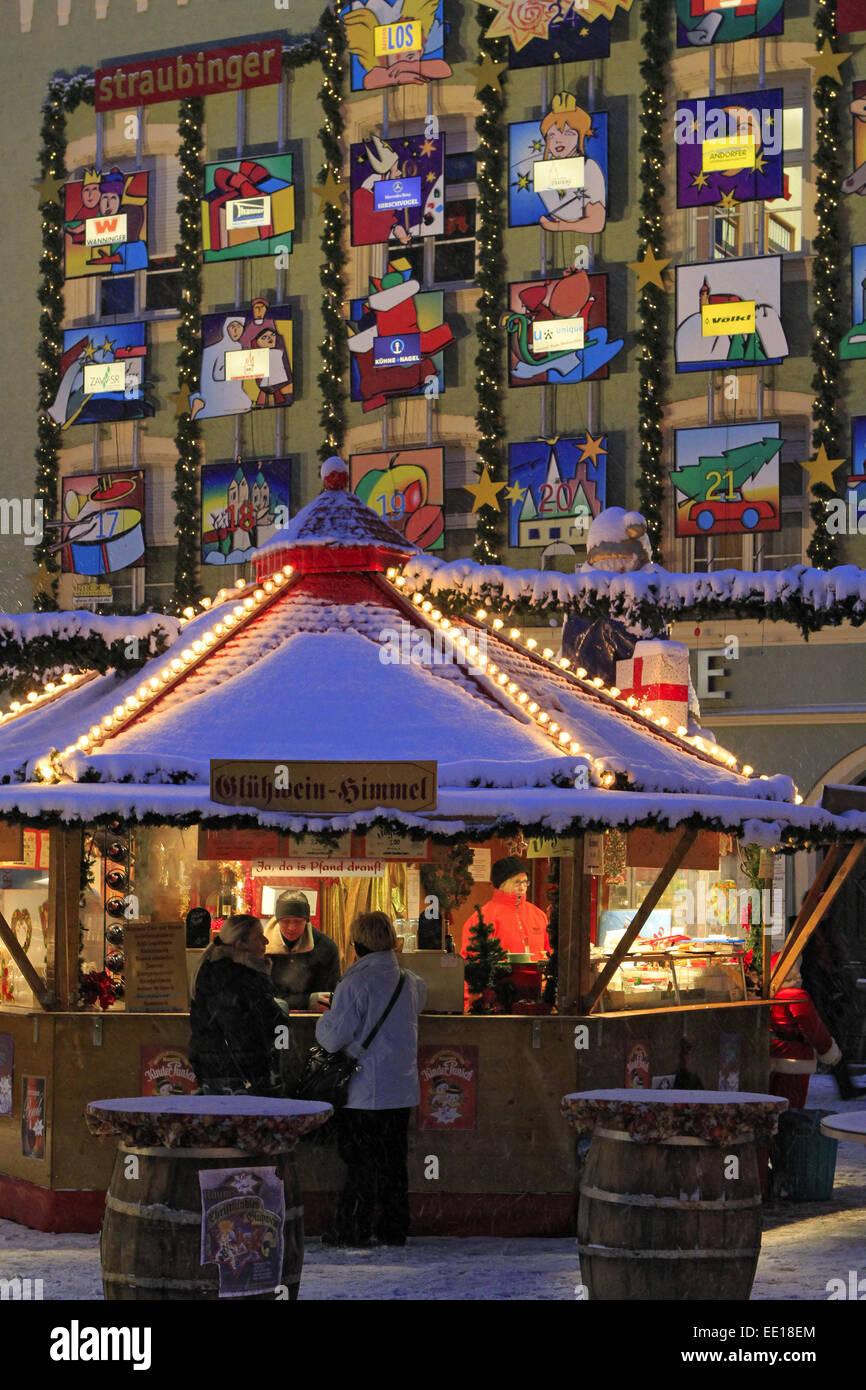 Christkindlmarkt in Straubing, Niederbayern - Stock Image